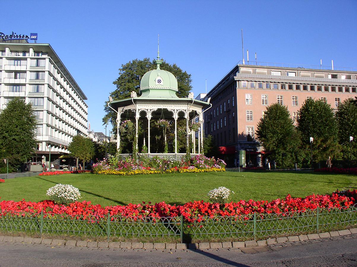 Music Pavilion, Byparken