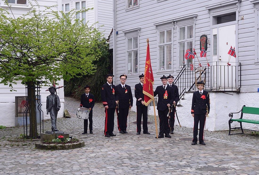 Bergen buekorps boys